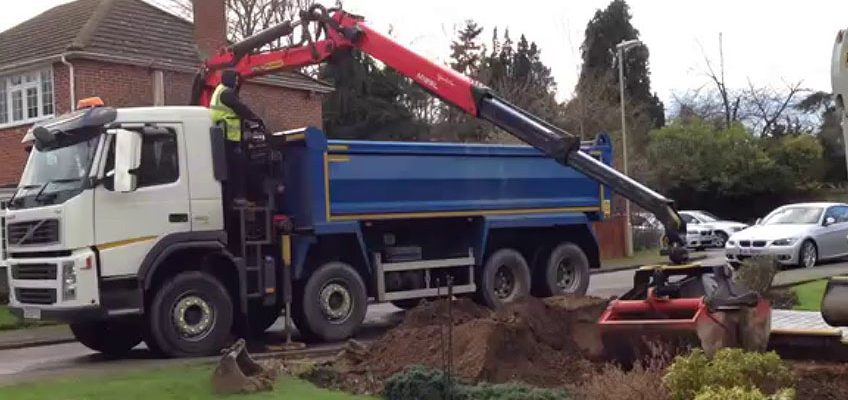 The Pain Of Muck Away Lorry